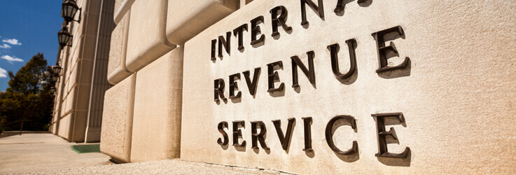 Interal Revenue Service sign infront of building